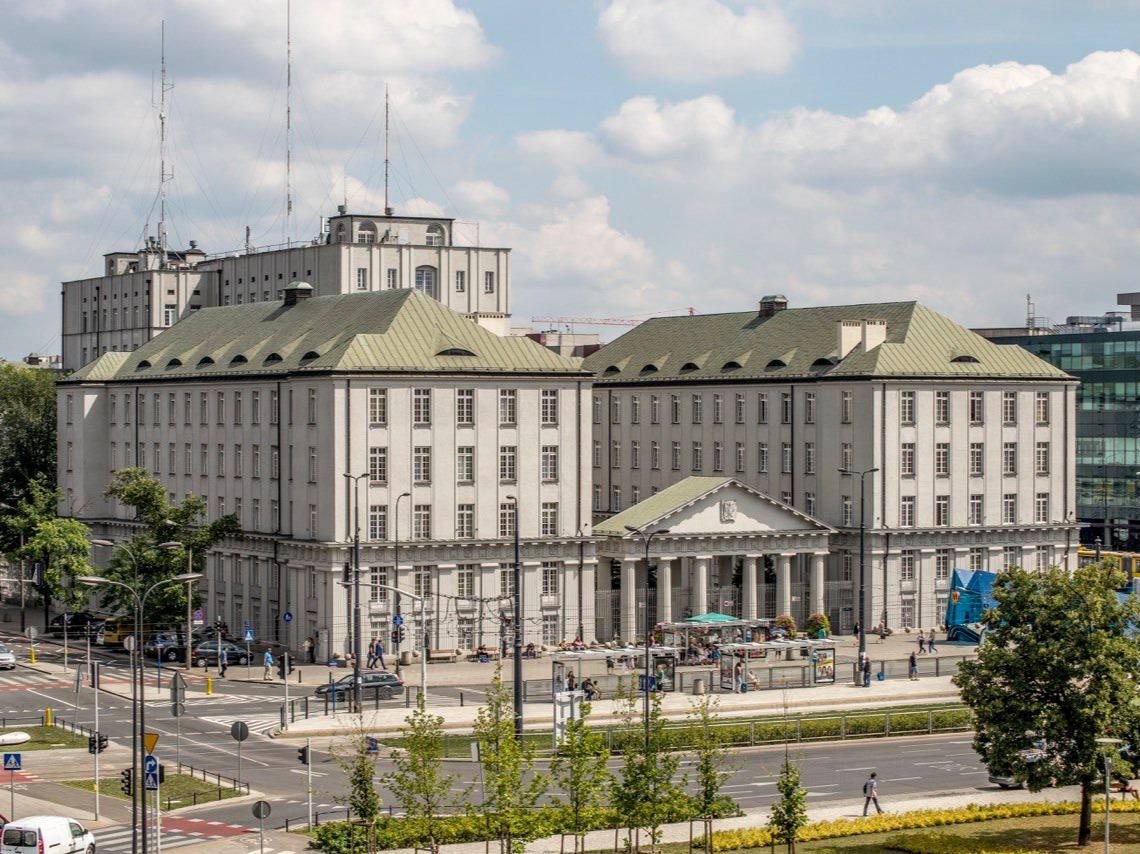 Kariera w PKP Polskie Linie Kolejowe Spółka Akcyjna